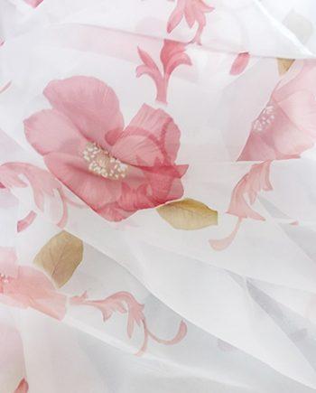 Perdea voal alb cu  flori rosii