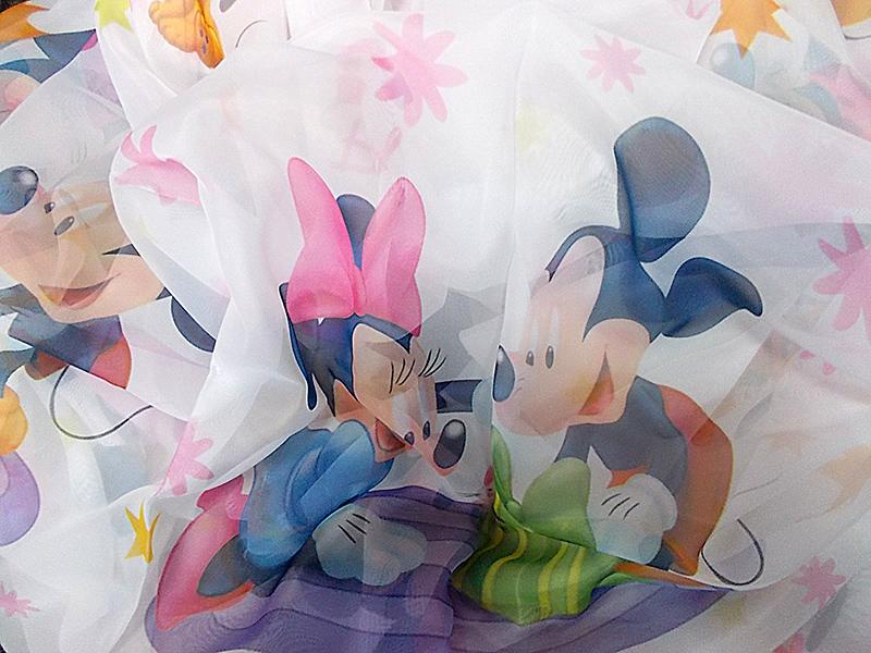 Perdea  voal alb cu Mickey si Minnie