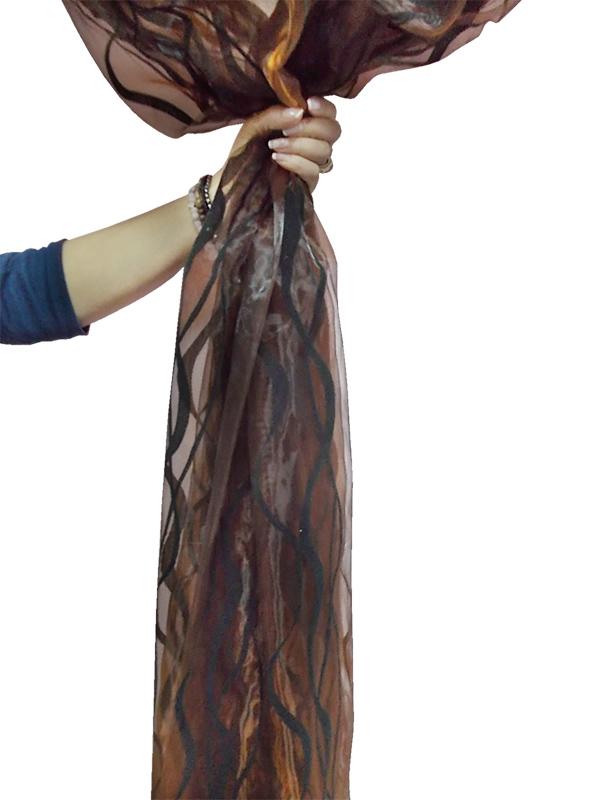 Perdea  organza maro cu model catifea negru