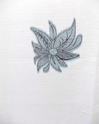 Perdea inisor alb cu flori negru argintiu