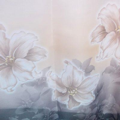 Perdea voal gri cu  flori crem