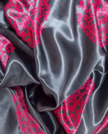 Draperie blackout rosu cu negru