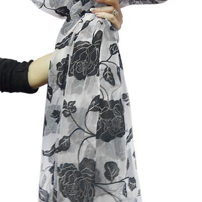Perdea  organza gri cu model catifea floral negru