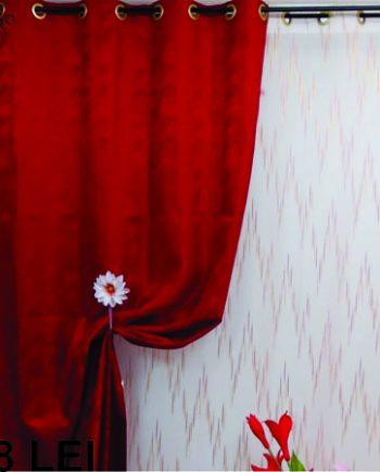 Draperie cu model discret rosu