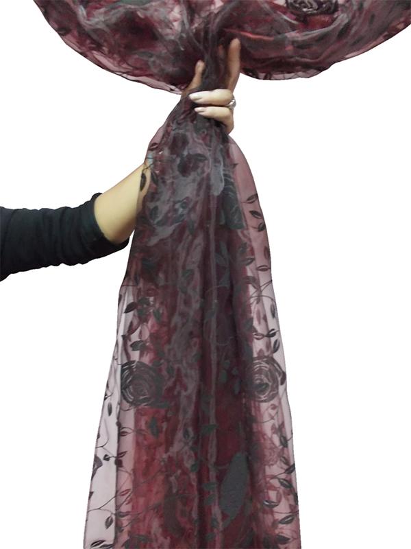 Perdea  organza grena cu model catifea floral negru