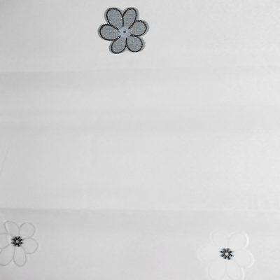 Perdea inisor alba cu flori alb negru